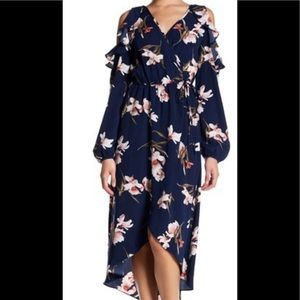 Soprano Navy Floral Cold Shoulder Dress In Size L